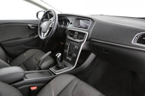 VOLVO V40 CROSS COUNTRY MOMENTUM 1.6 D2 + GPS + CAMERA + PDC