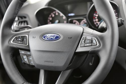FORD Kuga BUSINESS 1.5 ECOBOOST + GPS + CRUISE + PDC