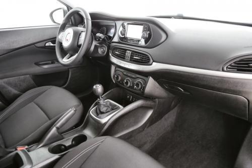 FIAT Tipo 1.4 EASY + NAVI + AIRCO + PDC
