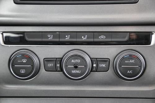 VOLKSWAGEN Golf Variant TRENDLINE 1.6 TDI + GPS + CRUISE + PDC
