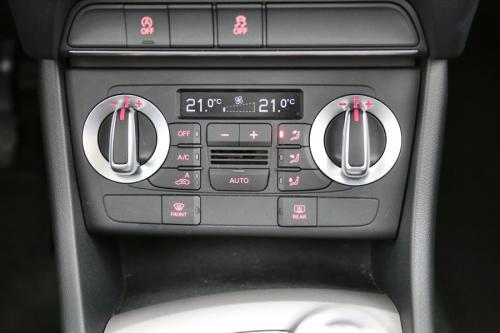 AUDI Q3 2.0 TDI + GPS + AIRCO + CRUISE + PDC + ALU 17