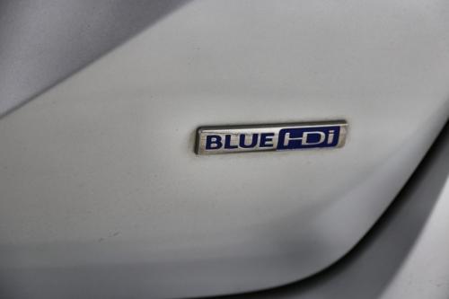 PEUGEOT 308 ALLURE 1.6 BLUEHDI STT + GPS + CAMERA + PANO DAK + TREKHAAK