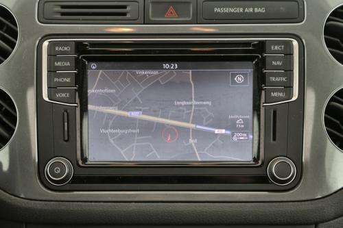 VOLKSWAGEN Tiguan SPORT STYLE 2.0 TDI 4MOTION + A/T + GPS + LEDER