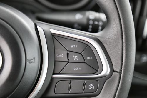 FIAT 500L 1.4MPI CROSS + UCONNECT + CARPLAY + ALU 17