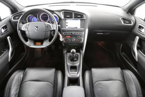 DS AUTOMOBILES DS 4 1.2 SO CHIC + GPS + LEDER + CRUISE + PDC + ALU 17
