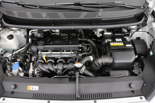 HYUNDAI iX20 1.6B + GPS + CRUISE + AIRCO AUTO + PDC