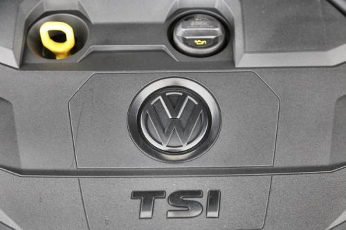 VOLKSWAGEN Tiguan 1.5 TSI TRENDLINE + GPS + VERWARMDE ZETELS + PDC