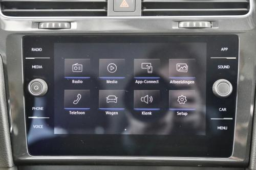 VOLKSWAGEN Golf 1.0 TSI TRENDLINE + GPS VIA APP CONNECT + AIRCO
