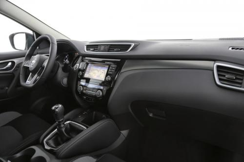 NISSAN New Qashqai 1.3 DIG-T N-CONNECTA + DESIGN PACK