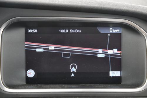 VOLVO V40 KINETIC 1.6D2 POWERSHIFT + A/T + GPS + AIRCO + CRUISE + PDC + ALU 16