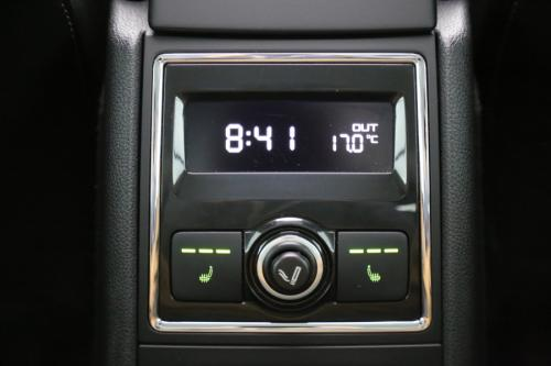 SKODA Superb 1.6 TDI + GPS + LEDER + PDC + PANO DAK + ALU