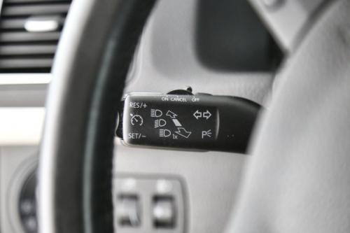 VOLKSWAGEN Touran TRENDLINE 1.2 TSI + GPS + AIRCO + CRUISE + PDC + PANO DAK + ALU 16