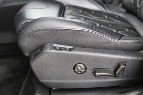PEUGEOT 5008 2.0 BLUEHDI GT  + A/T + GPS + LEDER + CRUISE + PDC + CAMERA + PANO DAK + TREKHAAK + 7 PL.
