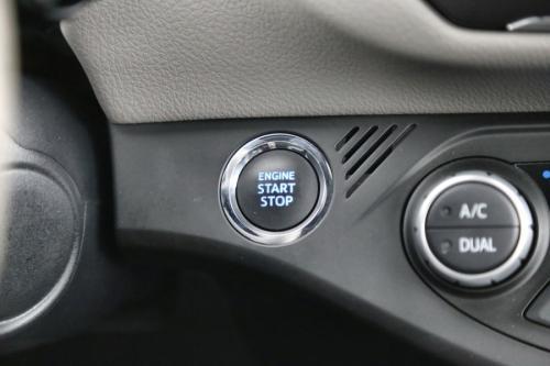 TOYOTA Yaris 1.5 i + GPS + CAMERA + AIRCO AUTO