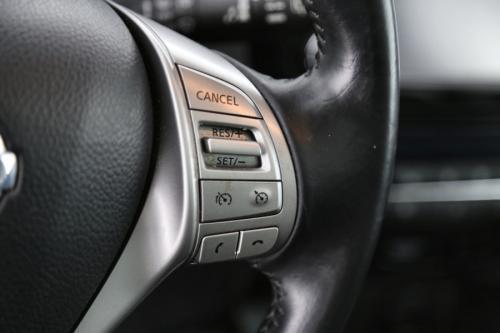 NISSAN Qashqai TEKNA 1.6 dci  + GPS + LEDER + AIRCO + CRUISE + PDC + CAMERA + PANO DAK + ALU 19