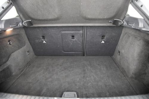 MERCEDES-BENZ GLA 180 GLA 180 + GPS + CAMERA + CRUISE + SPORTZETELS + ALU 17