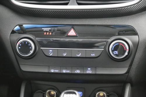 HYUNDAI Tucson 1.6 GDI + GPS + CAMERA + CRUISE + AIRCO + PDC