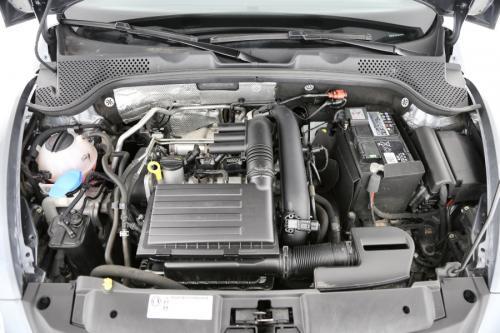 VOLKSWAGEN Beetle 1.2 TSI Cabrio + A/T + GPS + AIRCO + CRUISE + PDC + ALU 18