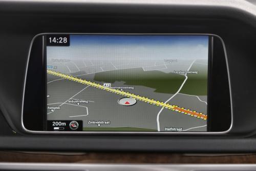 MERCEDES-BENZ E 220 Break BlueTEC Elegeance + GPS + LEDER + AIRCO + CRUISE + PDC + PANO DAK + ALU 17