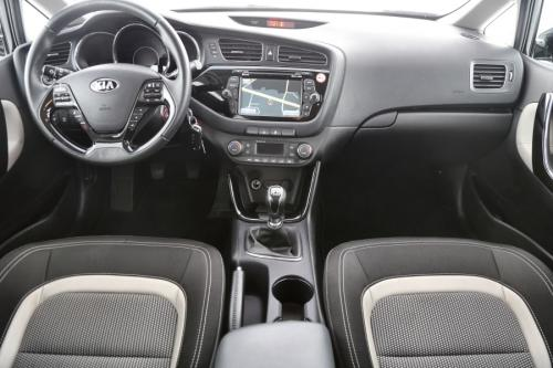 KIA Ceed World Edition 1.6 CRDI + GPS + AIRCO + CRUISE + PDC + CAMERA + ALU 16