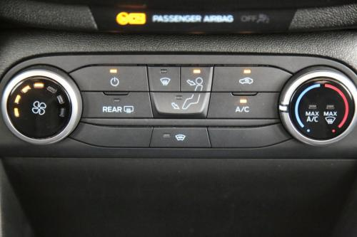 FORD Fiesta 1.1 TITANIUM + APPLE CARPLAY + LED + PDC + ALU 16