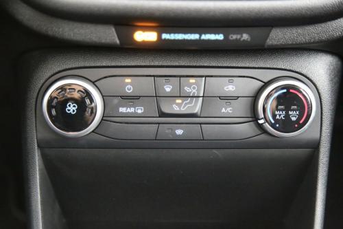 FORD Fiesta 1.1 TITANIUM + APPLE CARPLAY + LEZD + PC + ALU 16