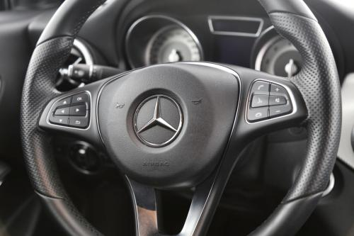 MERCEDES-BENZ CLA 180 Urban i + GPS + AIRCO + CAMERA + ALU 17