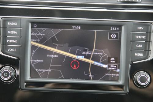 VOLKSWAGEN Touran Highline BMT 1.6 TDI + GPS + AIRCO + CRUISE + PDC + ALU 17