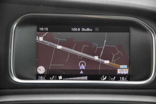 VOLVO V40 CROSS COUNTRY 2.0D2 + GPS + AIRCO + CRUISE + PDC + CAMERA + ALU 16