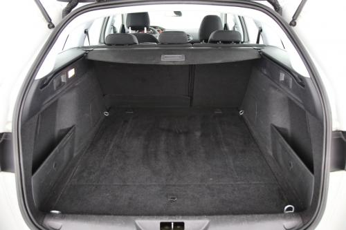 PEUGEOT 308 SW Active 1.6 BlueHDI STT + A/T + GPS + AIRCO + CRUISE + PDC + ALU 16
