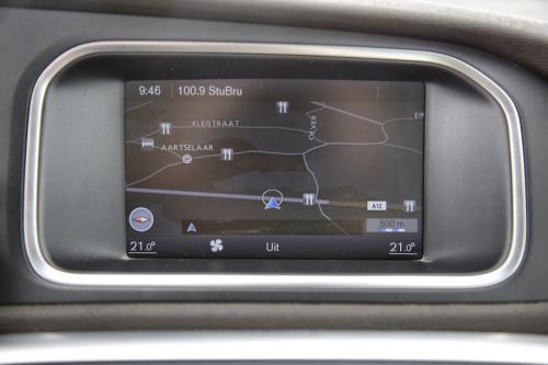 VOLVO V40 Summum 1.6D2 + GPS + LEDER + AIRCO + CRUISE + PDC + ALU 17