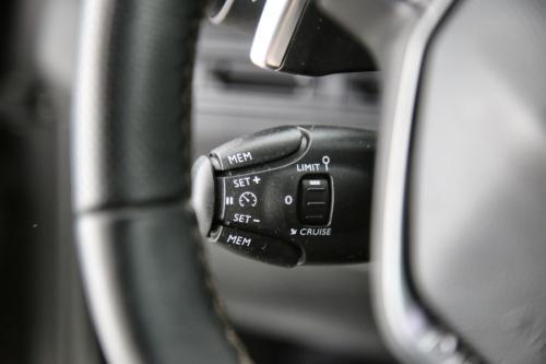 PEUGEOT 3008 1.6 BlueHDI GT Line + A/T + GPS + CRUISE + PDC + CAMERA + PANO DAK + ALU 18