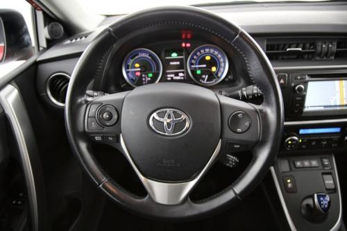 TOYOTA Auris Touring Sports Dynamic 1.8i  HSD CVT + A/T + GPS + AIRCO + CRUISE + CAMERA + ALU 16