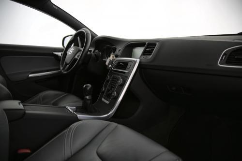 VOLVO V60 Kinetic 1.6D2 + GPS + LEDER + AIRCO + CRUISE + PDC + ALU 16 + TREKHAAK