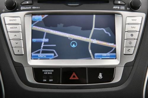 HYUNDAI IX 35 16B + GPS + CAMERA + 1/2 LEDER + ALU 17