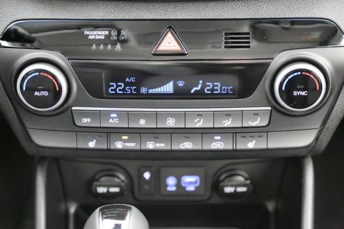 HYUNDAI NEW TUCSON 1.6 T-GDI DCT COMFORT + GPS + LED + CAMERA + PDC + ALU 17