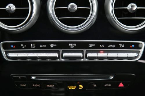MERCEDES-BENZ C 200 Berline d AMG Line + GPS + LEDER + AIRCO + PDC + ALU 18