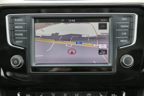 VOLKSWAGEN Passat Variant Highline 1.6 TDI + GPS + AIRCO + CRUISE + PDC + ALU 17 + TREKHAAK