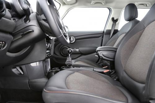 MINI Cooper 5P 1.5i + GPS + AIRCO + CRUISE + PDC + ALU
