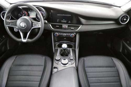 ALFA ROMEO Giulia Super 2.2 JTDM + GPS + AIRCO + CRUISE + PDC + CAMERA + ALU 17 + XENON