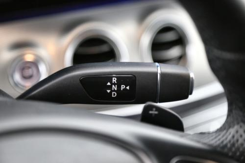 MERCEDES-BENZ E 220 Launch Edition  Avantgarde dA + GPS + LEDER + CRUISE + PDC + CAMERA + ALU 17 + TREKHAAK + XENON