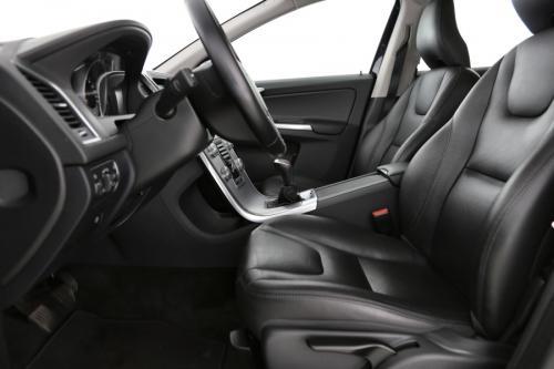 VOLVO XC60 Momentum 2.0D3 + GPS + LEDER + AIRCO + CRUISE  + PDC + ALU 17