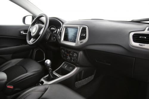 JEEP Compass 1.4 TURBO + GPS + HALF LEDER + CAMERA + PDC