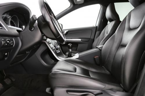 VOLVO XC60 Momentum 2.0 D3 + GPS + LEDER + AIRCO + CRUISE + PDC + ALU 17 + TREKHAAK