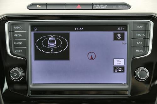 VOLKSWAGEN Passat HighLine 2.0 TDI + GPS + AIRCO + CRUISE + PDC + CAMERA + ALU 17 + TREKHAAK