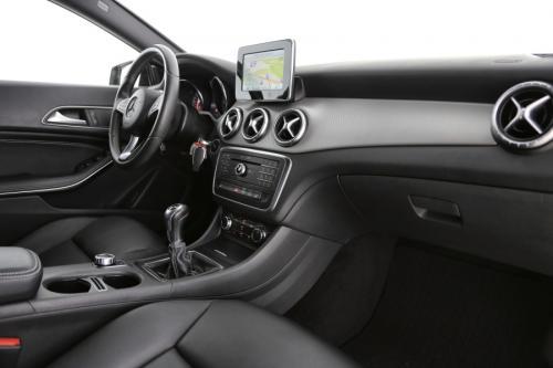 MERCEDES-BENZ CLA 180 Urban CDI + GPS + LEDER + PDC + CRUISE + ALU 18