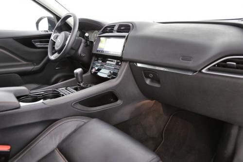 JAGUAR F-Pace  Business Edition 2.0d Prestige 5d + GPS + LEDER + PDC + CAMERA + PANO DAK + ALU 19 + XENON