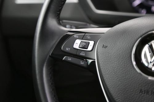 VOLKSWAGEN Tiguan  2.0 TDI SCR  DSG 4Motion R-Line + GPS + LEDER + CRUISE + PDC + CAMERA + ALU 19