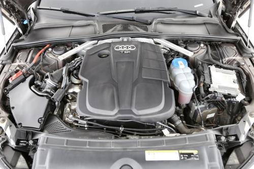AUDI A4 Avant 2.0 TDI  S-Tronic Sport + GPS + LEDER + CRUISE + PDC + CAMERA + ALU 17 + XENON