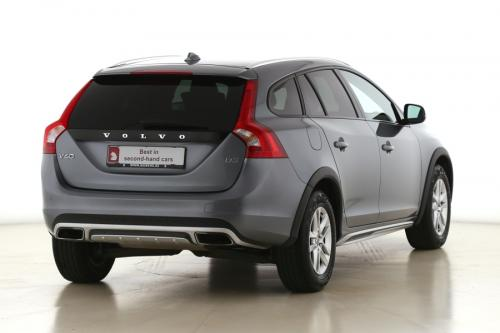 VOLVO V60 CROSS COUNTRY  Kinetic 2.0D3 + GPS + AIRCO + CRUISE + PDC + ALU 16